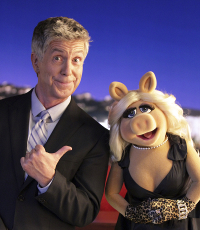 """THE MUPPETS""- TOM BERGERON, MISS PIGGY.  JOYCE KIM LEE, COSTUME DESIGNER."